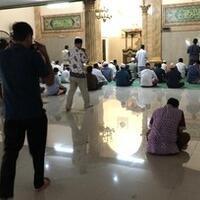 sejumlah-masjid-di-jakarta-tetap-gelar-salat-jumat-saat-ppkm-darurat