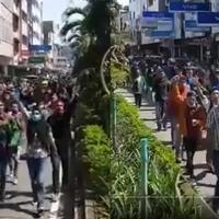 mahasiswa-ambon-mulai-demo-tolak-ppkm-mikro-teriakkan-revolusi