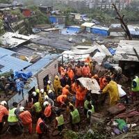 36-orang-tewas-akibat-tanah-longsor-di-india-puluhan-hilang