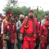 oknum-ormas-hina-suku-betawi-ratusan-jawara-bekasi-datangi-kantor-polisi