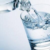 5-manfaat-minum-air-putih-bagi-tubuh