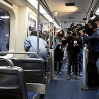 pemerkosaan-berlangsung-di-dalam-ka-para-penumpang-lainnya-cuma-menonton--merekam