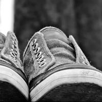 ingin-memakai-sneaker-ke-mana-saja-berikut-panduannya