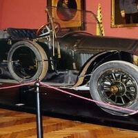 bikin-merinding-5-mobil-ini-dikenal-paling-berhantu--paling-ditakuti-di-dunia