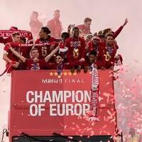 warna-merah-menghiasi-kota-liverpool-saksikan-pawai-kemenangan-liga-champions