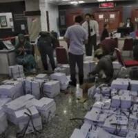 tim-prabowo-habis-miliaran-rupiah-untuk-fotokopi-di-sidang-mk