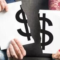suami-ataukah-istri-yang-harusnya-pegang-uang-di-keluarga