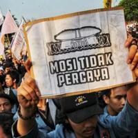 demo-mahasiswa-tuntut-pembatalan-ruu-kuhp-dan-uu-kpk-bukan-lengserkan-jokowi