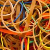 karet-gelang-benda-kecil-yang-penuh-manfaat-sepakat