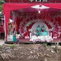 resepsi-nikah-versi-netizen-62-diatas-kolam-di-rel-kreta-api-sampai-diatas-genteng