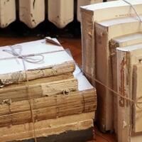 buku-dijual-tanpa-sampul--buku-curian-masih-mau-beli