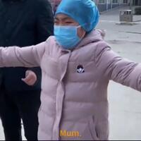perawat-pasien-corona-cuma-bisa-peluk-anaknya-lewat-angin-dari-jauh