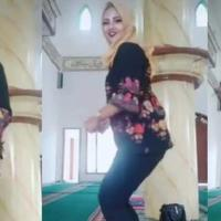 heboh-emak-emak-joget-pinggul-dalam-masjid-panen-kecaman