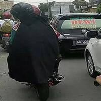 hati-hati-dengan-gamis-dan-hijab-syar-i