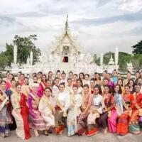 cantik-dan-anggun-ini-pesona-gadis-thailand-kenakan-traditional-costume
