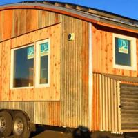 10-rumah-mungil-terbuat-dari-barang-bekas-dan-daur-ulang