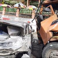 innalillahi-kecelakaan-beruntun-di-kawasan-lembah-anai-libatkan-10-kendaraan