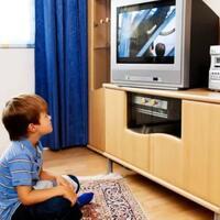 beberapa-alasan-mengapa-acara-tv-tetap-diminati-golongan-ekonomi-menengah-kebawah
