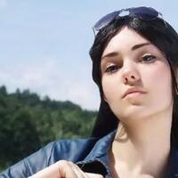 bikin-kepanasan-gadis-cantik-ukraina-berdandan-ala-robin-dari-one-piece-world-red