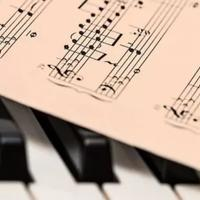 aturan-pengelolaan-royalti-musik-bikin-pemilik-usaha-rugi-bener-gak-sih