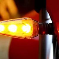 lampu-sein-kiri-tapi-belok-kanan-produsen-motor-harus-berinovasi