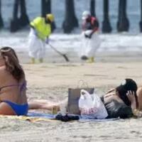 pure-beach-ditempat-ini-wanita-arab-saudi-bebas-berbikini