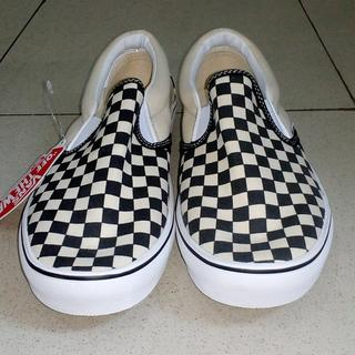 vans slip on checkerboard kw