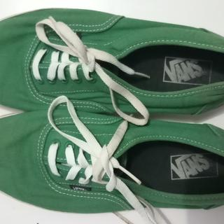 b49cd3996a1 Sepatu Vans Authentic 42