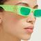 baru-kacamata-neon-dari-gucci-untuk-temani-liburan-musim-panas-sista