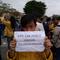foto-5-poster-spanduk-lucu-saat-mahasiswa-demonstrasi-di-kota-malang