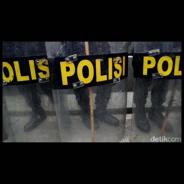 6 Orang Diduga Hendak Demo 'Jokowi End Game' di Monas Diamankan Polisi