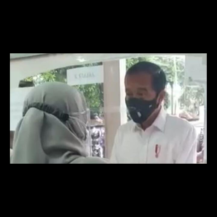 Epidemiolog Ungkap Kejanggalan Jokowi Blusukan Cari Obat Terapi Covid-19 di Apotek