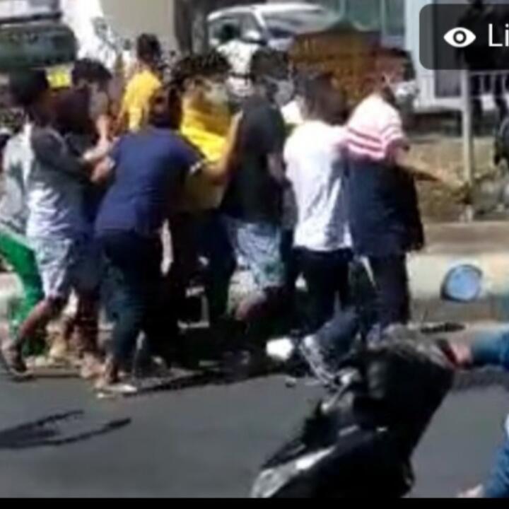 Viral Rebut-rebutan Jenazah oleh Keluarga dan Pihak Pemulasaraan! Kayak Sepakbola Aja