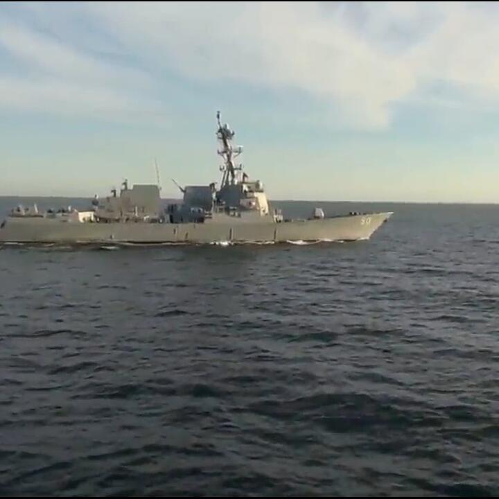[UPDATE] USS Chafee Dicegat Admiral Tributs Saat Mencoba Memasuki Wilayah Laut Rusia
