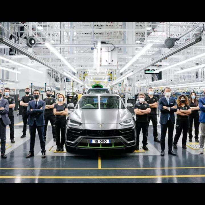 Sukses Besar, Lamborghini Rayakan Produksi Urus Yang Ke-15.000