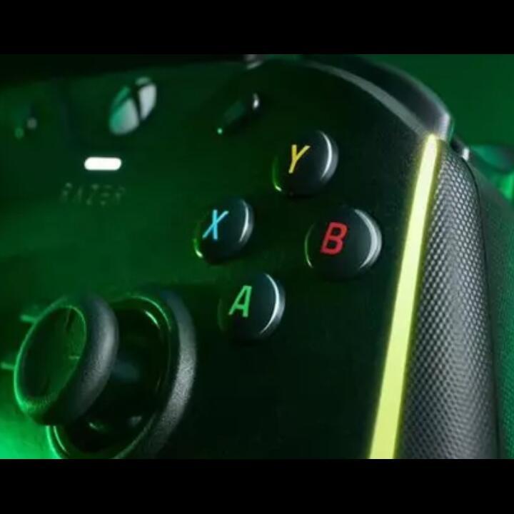 Razer Wolverine V2 Chroma, Kontroler Gaming Paling Canggih yang Pernah Ada