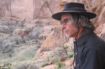 Daniel Suelo Hidup Selama 12 Tahun Tanpa Uang