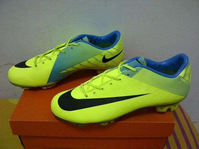 PROMO!! Sepatu Bola Nike Adidas Murah Meriaah Kw SUper
