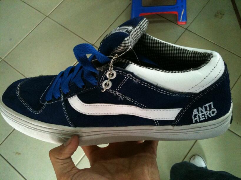 Terjual Sepatu Vans TNT Vans ANTI HERO Vans HALF CAB