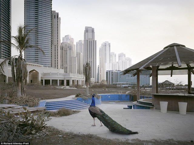 Apocalypse Dubai : Gambar Menakutkan Karya Fotografer Richard Allenby-Pratt