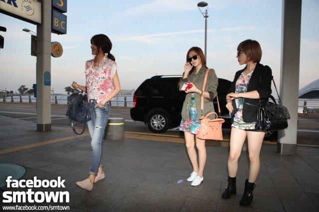 [Airport Fashion] SNSD Vs Cherrybelle