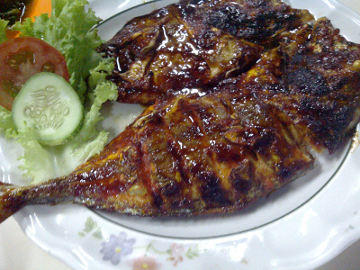 Pilih Daging Ayam atau Ikan gan ?