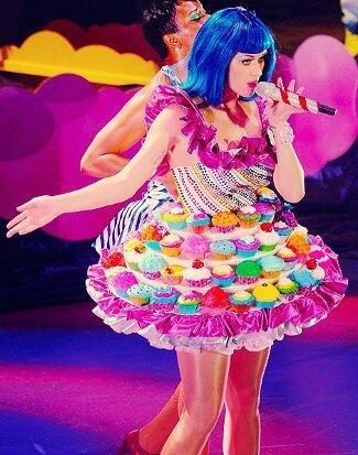 7 Kostum Terunik Katty Perry Saat Konser! Keren