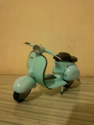 Aneka Miniatur Vespa, Sepeda Onthel, Pesawat, Becak, Delman, DLL