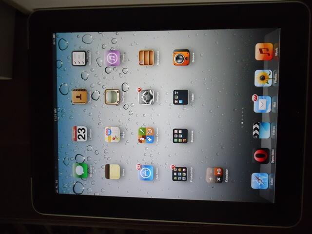 Ipad1, 64GB, 3G+Wifi Fullset Bandung bonus Isim+hardcase