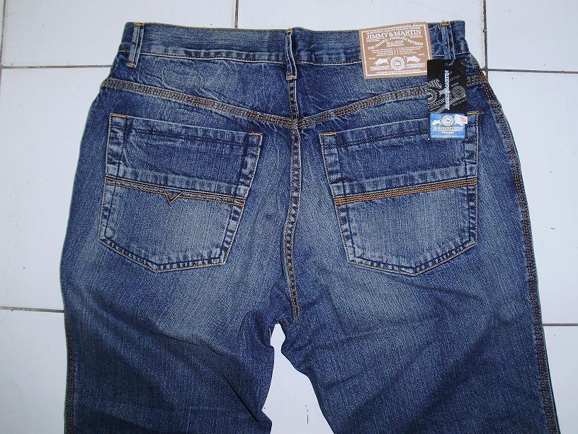Terjual Celana Jeans Merek Guess Levis Hermes Semua