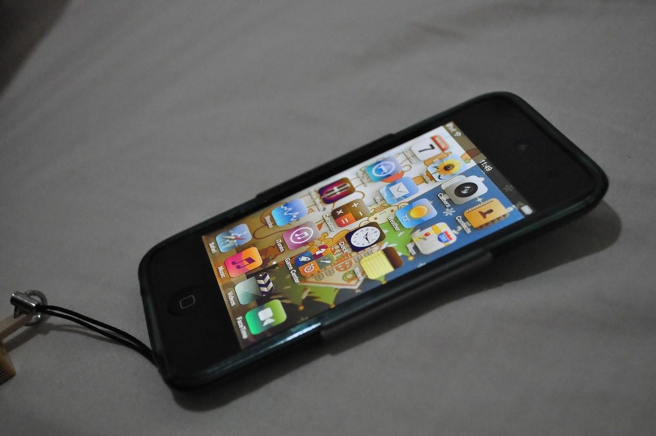 WTS iPod Touch 4th Gen. Black 32GB Mint Condition