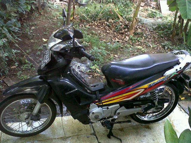 JUAL: Honda Kharisma X 125D tahun 2005