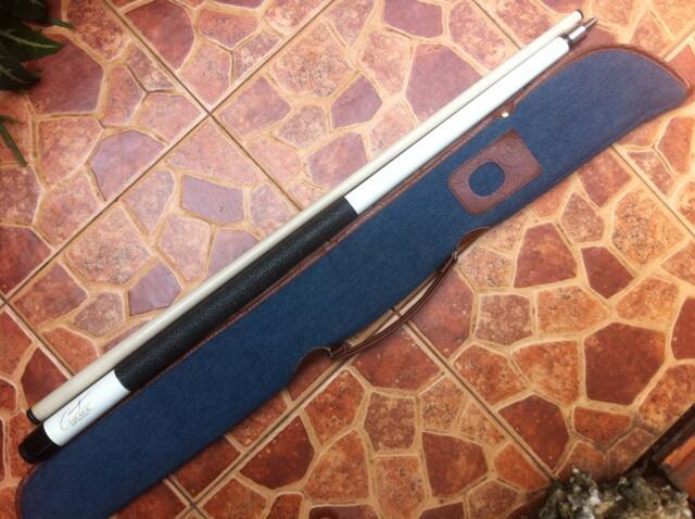 WTS Stick / stik billiar /billiard / billyar merek cuetec warna putih