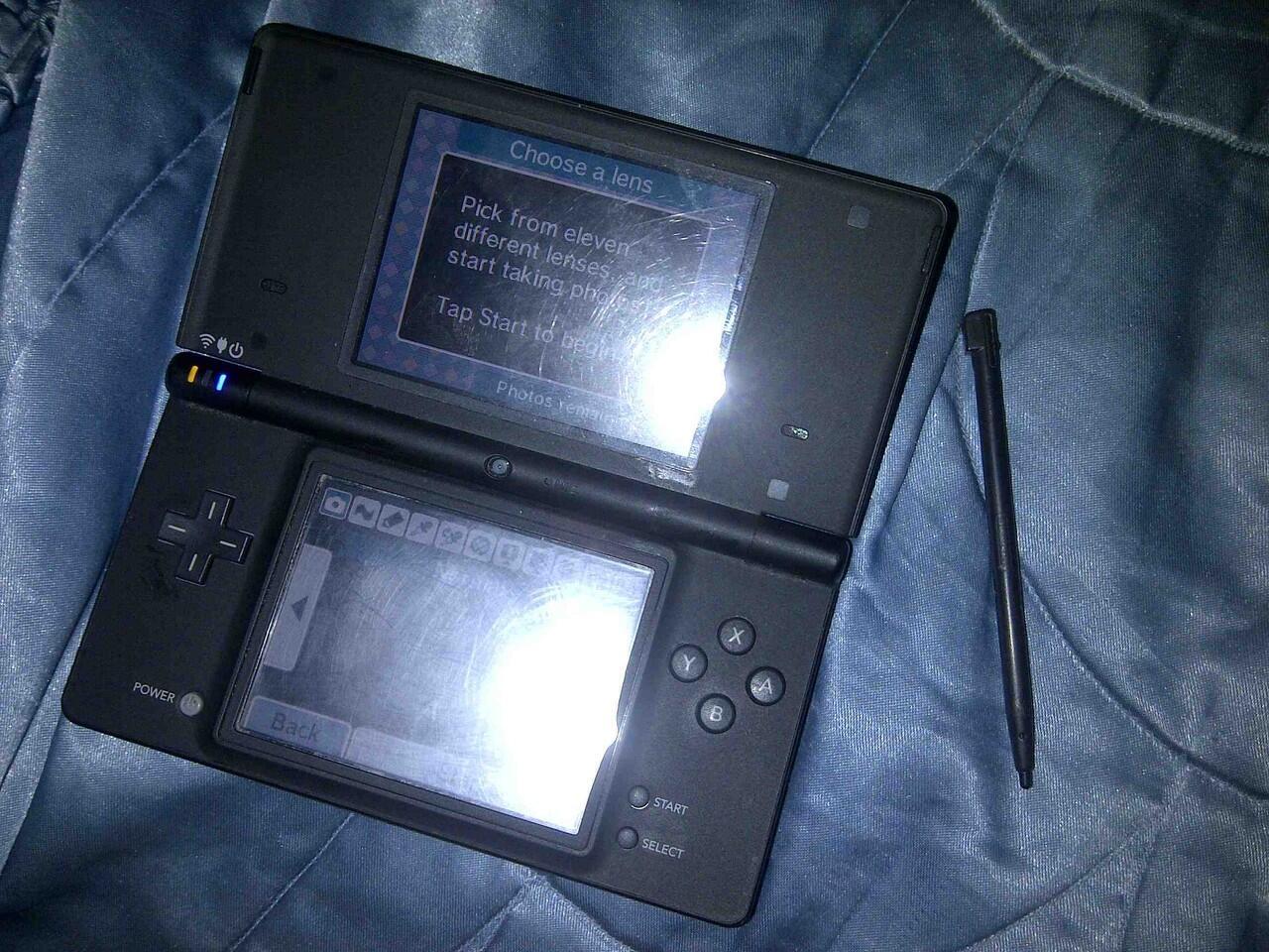 jual nintendo DSi with camera warna hitam black